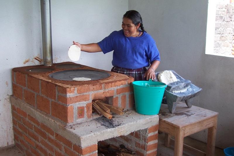 Taller de construcci n e instalaci n de estufas eficientes - Como hacer una cocina de lena ...